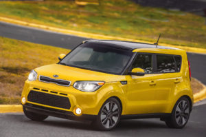2016-Kia-Soul-front-three-quarter-in-motion
